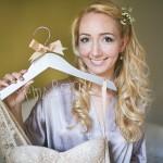 düğün tasarım fikirleri - yazılı gelinlik ve damatlık askılıkları